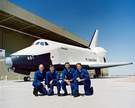 Shuttle approach and landing test crews, 1976