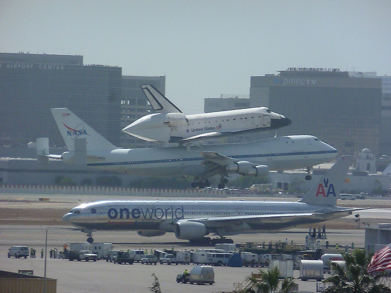 Endeavour at Los Angeles International Airport