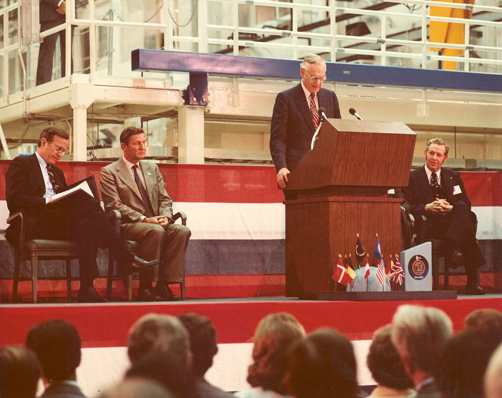 NASA Administrator address the crowd at the Spacelab arrival ceremony in February 1982