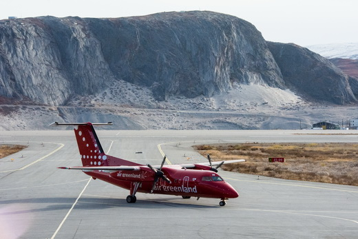 Air Greenland Dash 8 Q200 taxiing in from the main runway at Kangerlussuaq.