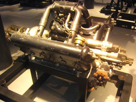 Restored HS.8Ca geared-output engine, similar to the 8Cb used on the SPAD S.XII