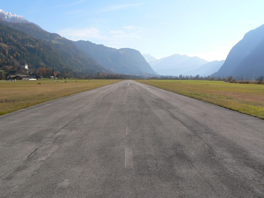 Lienz Nikolsdorf Airport photo