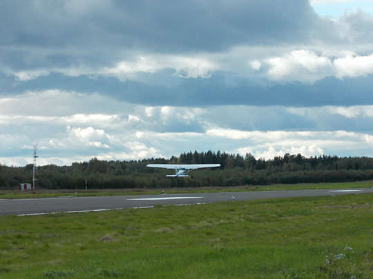 A Cessna 152 taking off at Mikkeli Airport