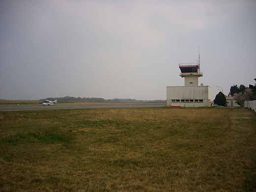 Meucon Airport