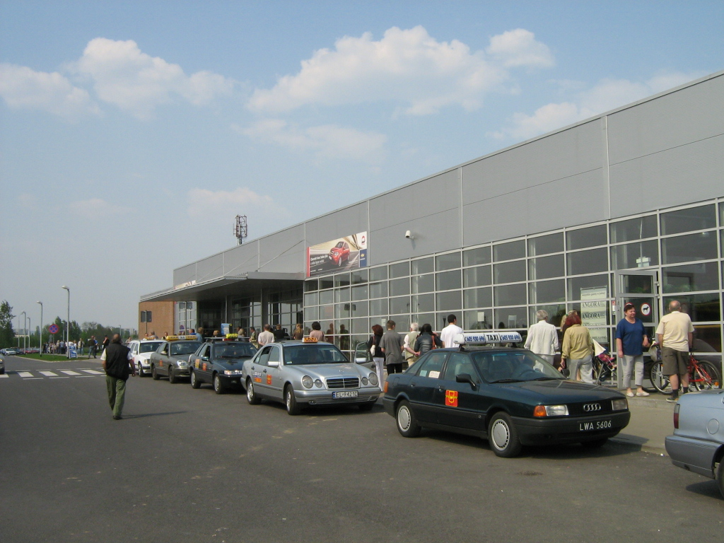 Terminal 2 building in use at Łódź Airport before dismantling