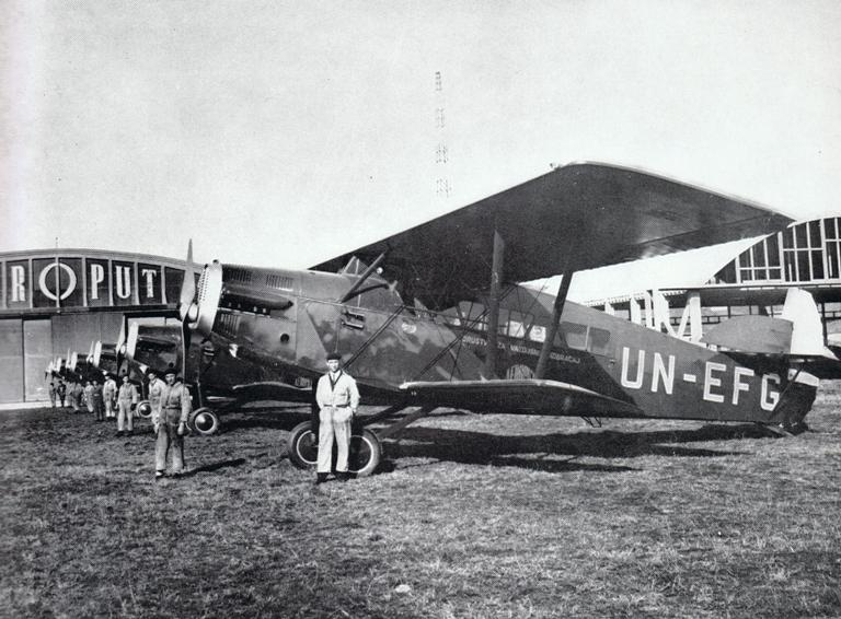 Six Aeroput Potez 29/2 biplanes at the old Belgrade-Dojno polje Airportwith the Milanković's hangar on the right side, 1929