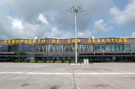San Sebastián Airport photo