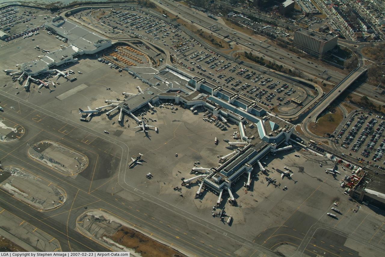 Aeroporto New York La Guardia : La guardia airport