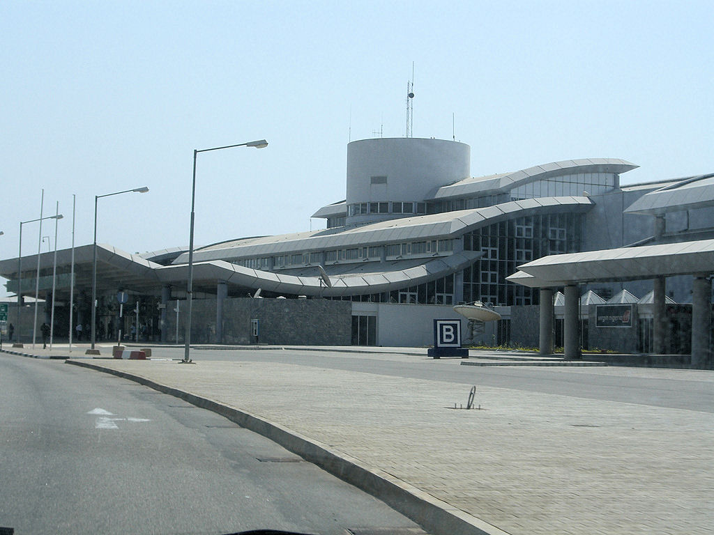 http://www.airports-worldwide.com/img/w/abujaair.jpg