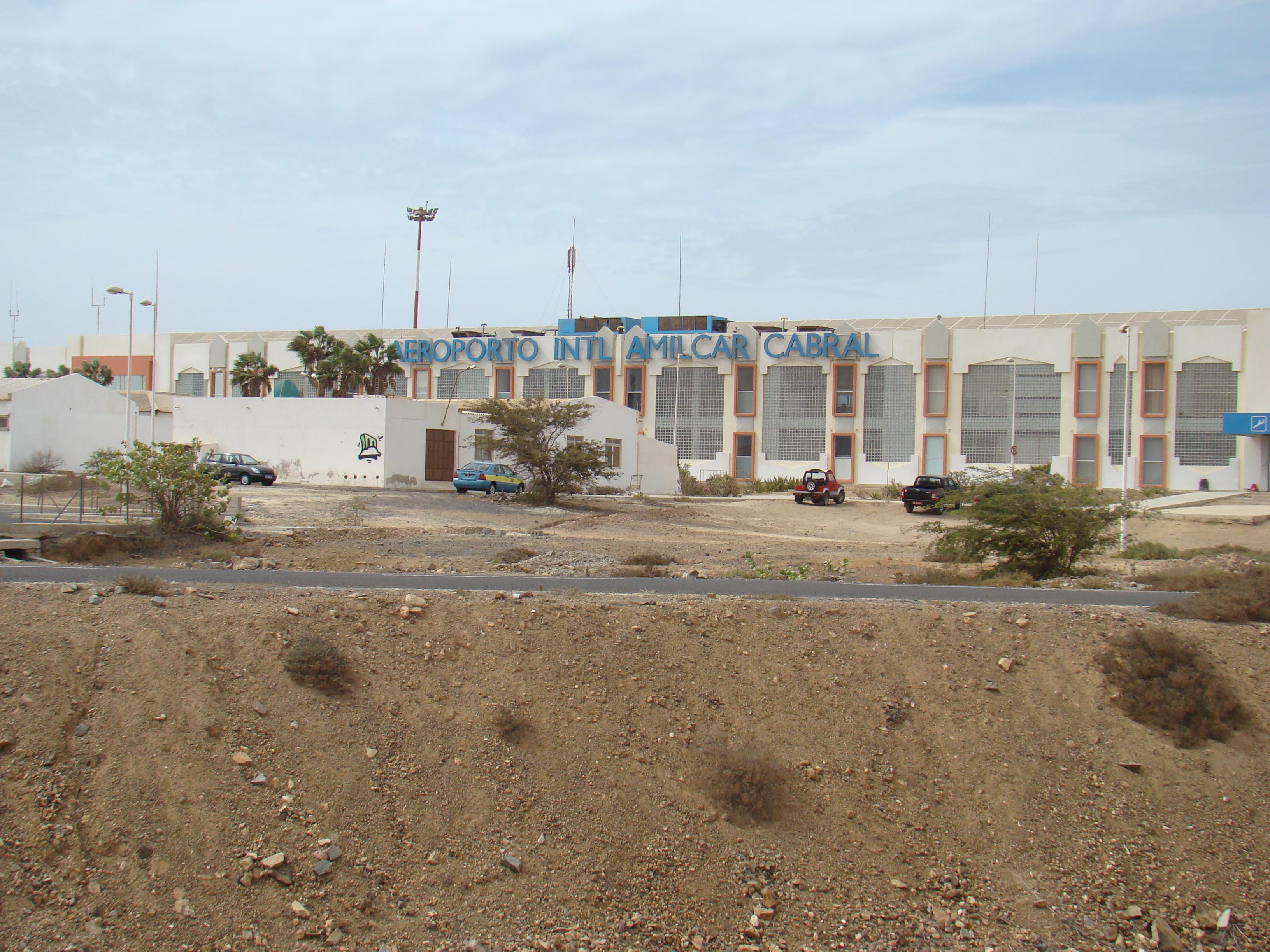 Aeroporto Havana Arrivi : Fabio forconi · aeroporto galileo galilei di pisa · divisare