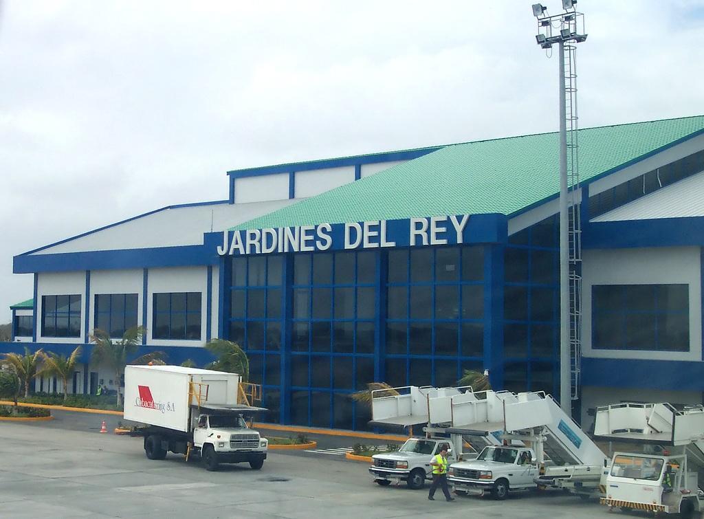 Jardines del rey airport for Jardines del rey