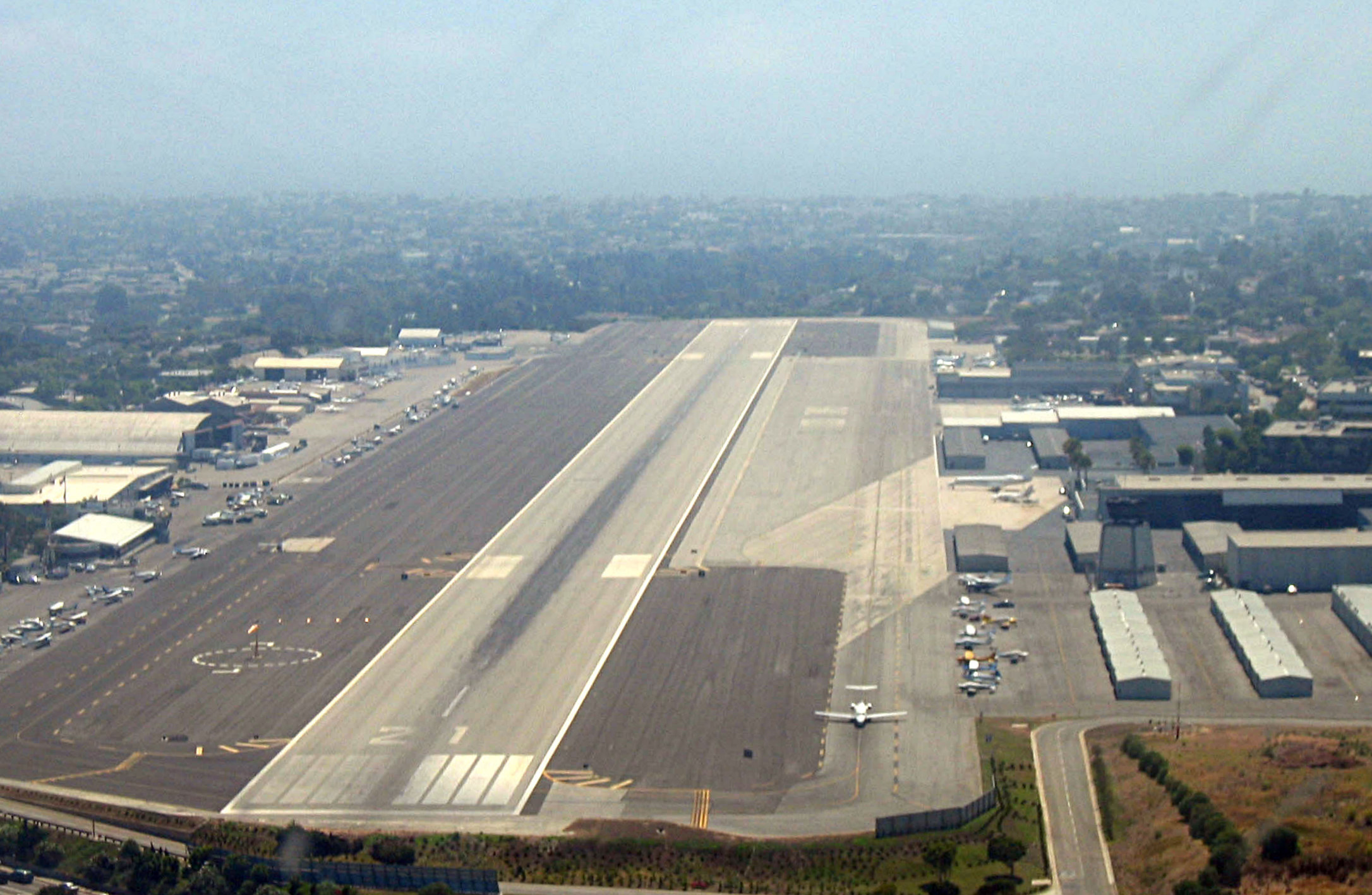 Santa Monica Municipal Airport - California airports