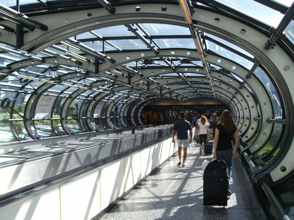 how to get from malpensa airport to milan
