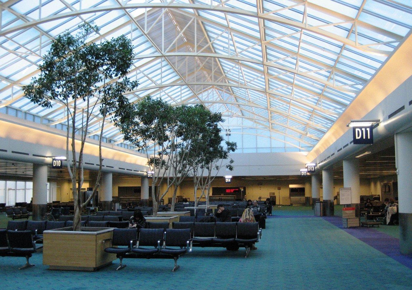 Portland Intl Airport - Airports in oregon