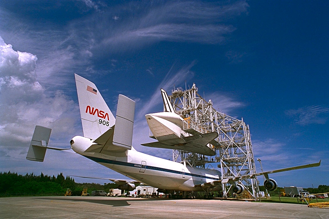nasa shuttle facility senior singles Space shuttle shutdown may kill the cockpit of the space shuttle discovery during a crew check at nasa's kennedy facility near new orleans was.