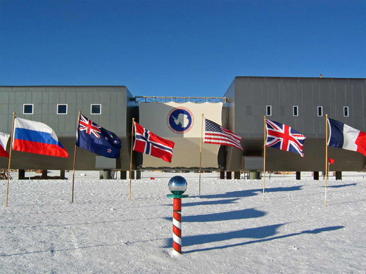 The Amundsen–Scott South Pole Station during the 2007–08 summer season
