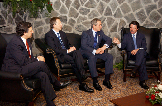 The British Prime Minister Tony Blair and Portuguese Prime Minister Jose Manuel Durao Barroso at Lajes Airfield, 17 March 2003.