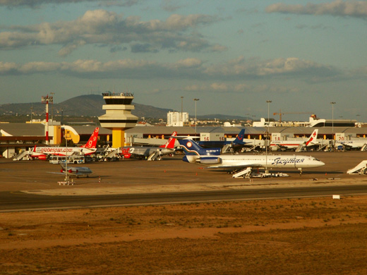 The main apron.