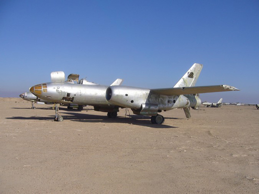A junked Il-28