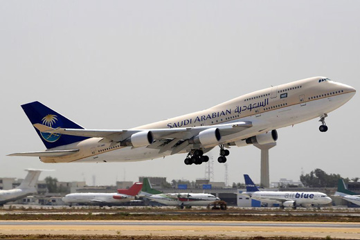 A Saudi Arabian Airlines Boeing 747-412 during takeoff from Karachi
