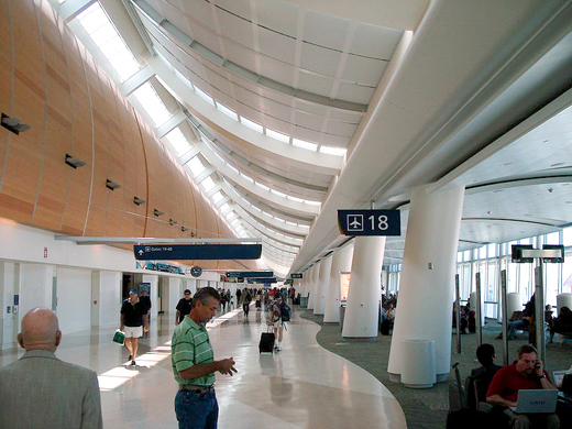 The departure hall in the newly completed departure area in Terminal B in August 2009.
