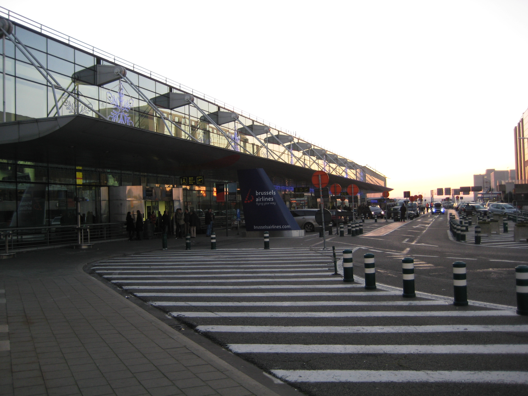 Brussels natl airport - Brussels airlines head office ...