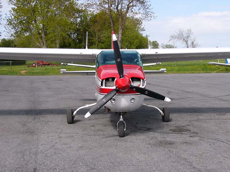 A Cessna T210l Shows The Later Model S Strutless Cantilever Wing