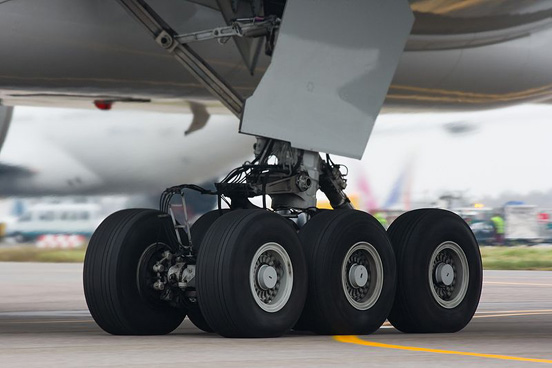 Undercarriage of a Boeing 777-300