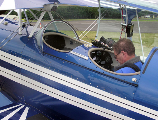Cockpit of Pitts S-2A