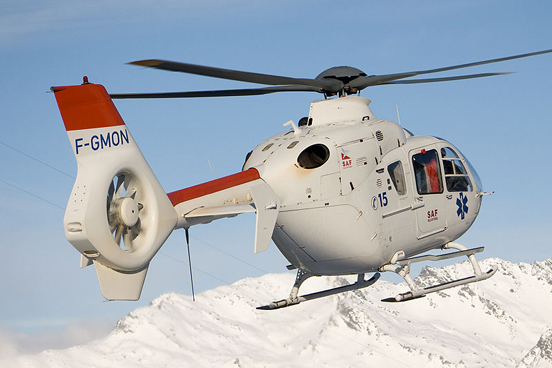 EC135 T1 of French operator SAF Hélicoptères during rescue operation on ski resort
