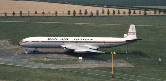 Dan-Air London Comet 4 G-APDB preserved at Duxford, July 1985