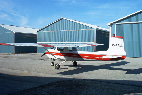 A 1964 Cessna 150D. The 1964 model 150D and the 150E had an Omni-Vision rear window, but retained the square fin of the earlier 150