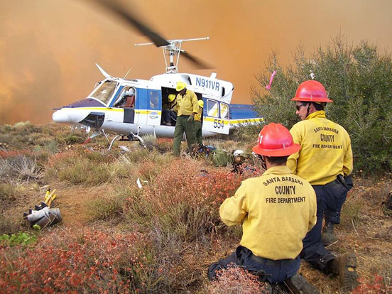 Santa Barbara County helitack crew and a Bell 212 on the Day Fire. USFS photo by Jim Akerman.