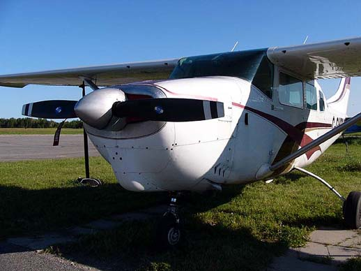 A Cessna 205, showing its distinctive cowling