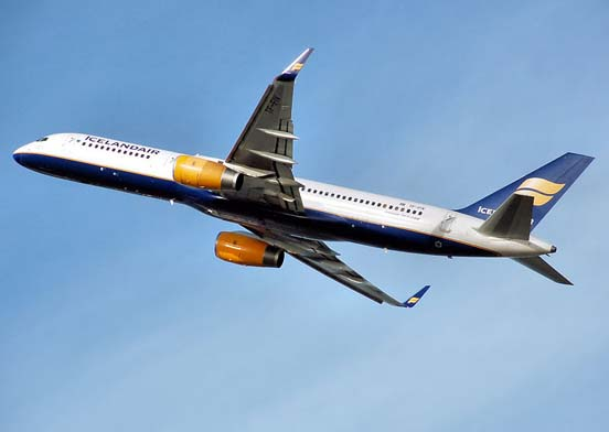 Icelandair 757-200WL with winglets taking off
