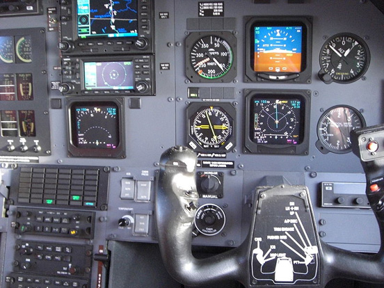 Pilatus PC-12 Instruments and Sub-Panel