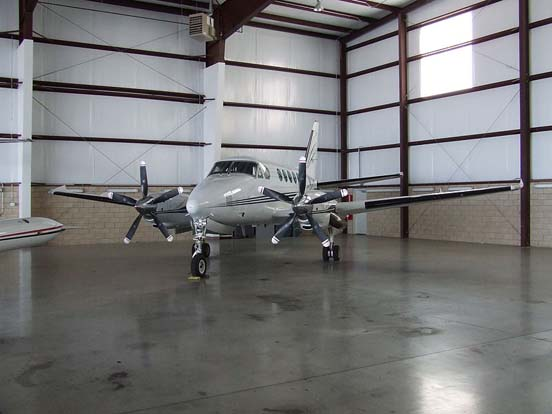 A B100 King Air modified with five-bladed propellers