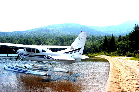 2001 model Cessna T206H Stationair on amphibious floats