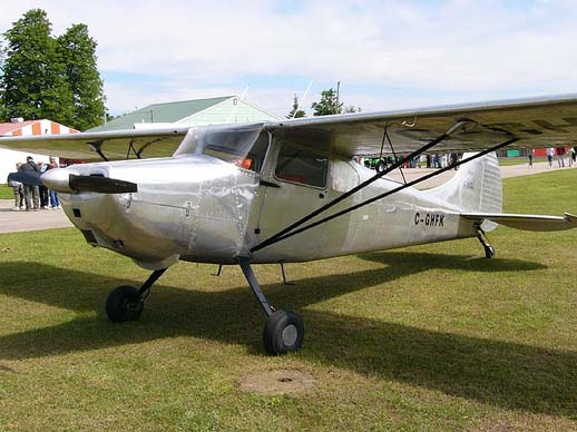 An early production Cessna 170