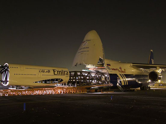An-124 of Polet Airlines swallowing an Airbus A380 1/3 model of purchased by Emirates Airline