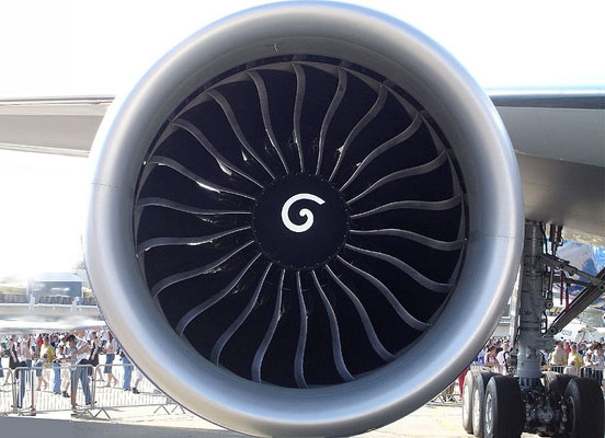 A GE90-110B engine mounted on a 777-200LR