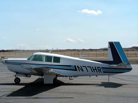 M20F Executive at Centennial Airport