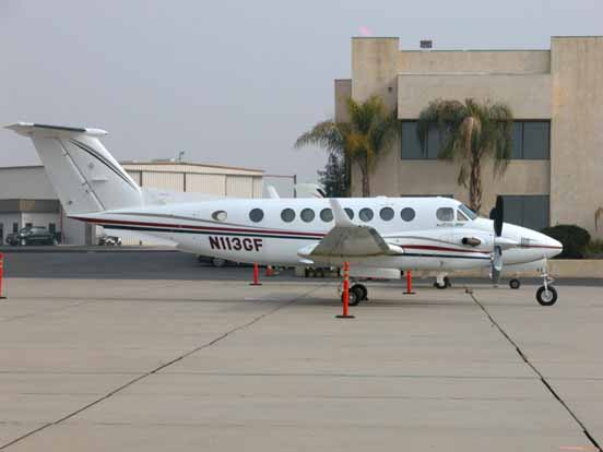 Beechcraft Super King Air 350 at Meadows Field Airport, Bakersfield, California