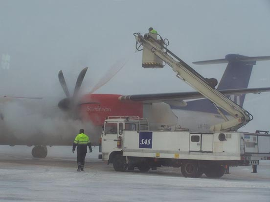 Deicing a propeller on an SAS Q400, Växjö Airport, Sweden