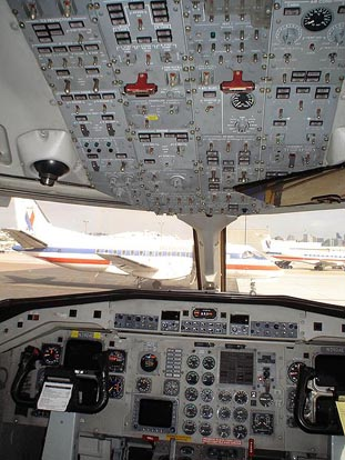 Flightdeck of an American Eagle Airlines Saab 340B