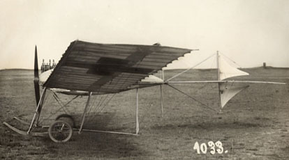 Fokker's first airplane, the Spin (Spider) (1910)
