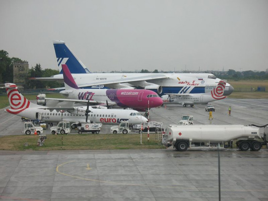 Antonov An-124 and smaller aircraft at Wrocław-Strachowice airport, August 2008