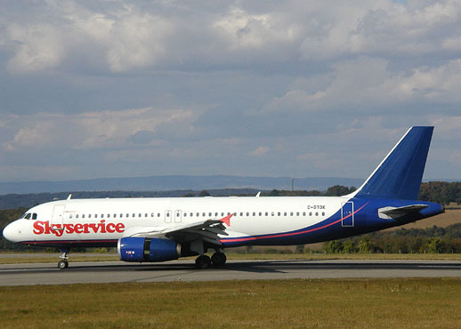 Skyservice Airlines Airbus A320
