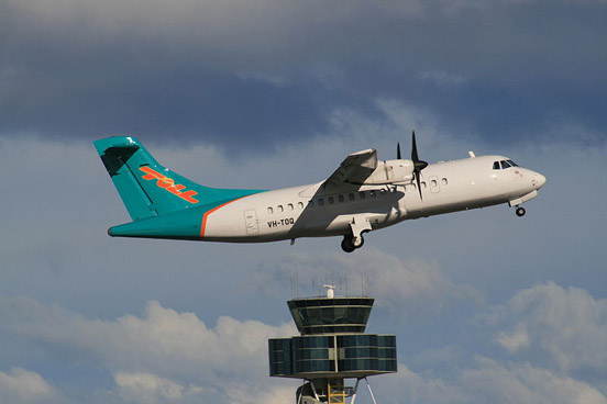 Toll Aviation ATR 42-300 VH-TOQ, departing from Sydney Airport