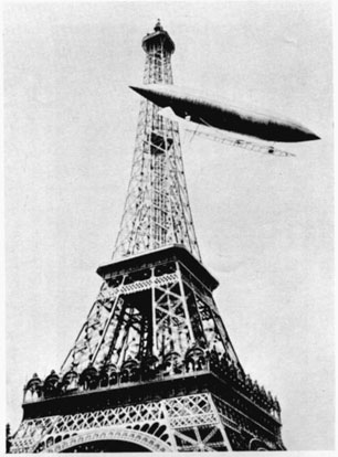 Santos-Dumont #6 rounding the Eiffel Tower in the process of winning the Deutsch Prize. Photo courtesy of the Smithsonian Institution (SI Neg. No. 85-3941)